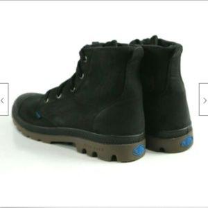 Palladuim Pampa Hi Original Women's Boots Sz 8.5